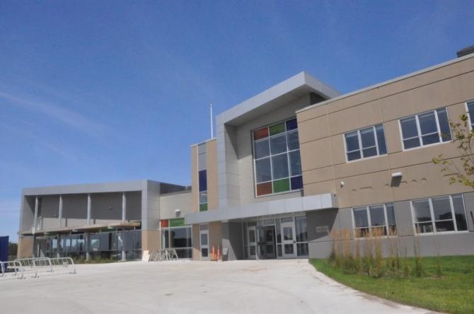 Yarmouth Consolidated Memorial High School 공립고등학교 Tri-County Regional School Board 교육청-노바스코샤 국제학생 프로그램 NSISP